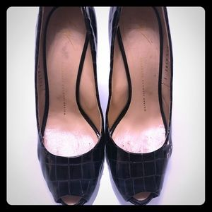 Black patent leather GIUSEPPE ZANOTTI heels!